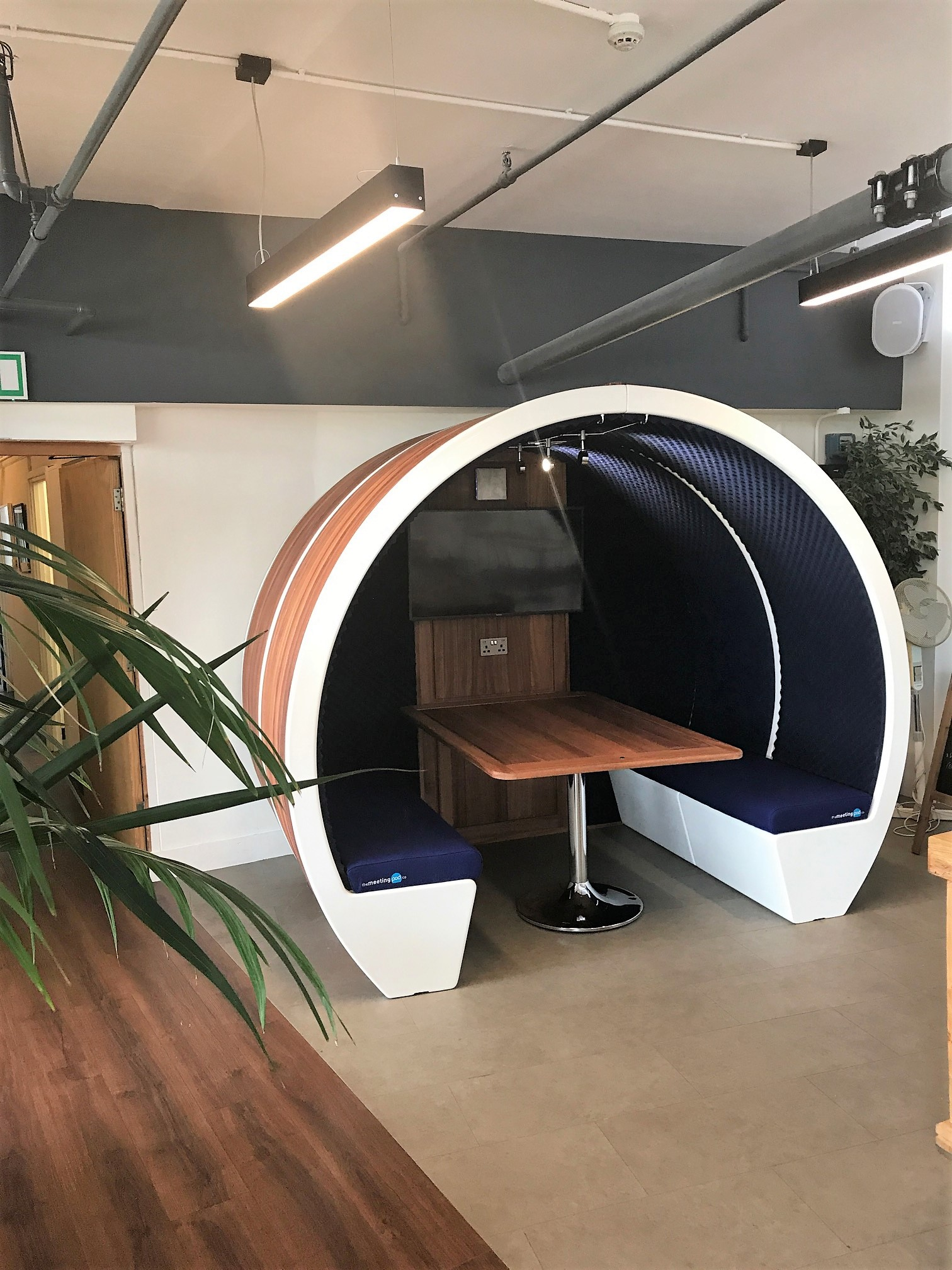 Welcome To Our Showroom The Meeting Pod Company